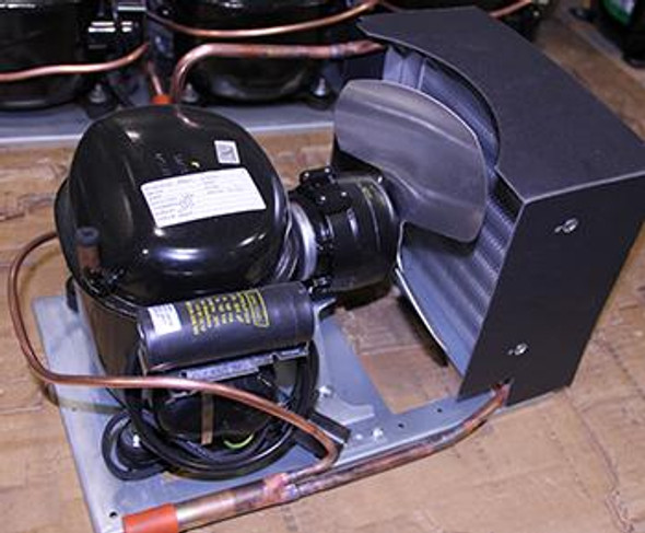 Image of the True 915700 condensing unit with Tecumseh compressor AEA2411ZXA