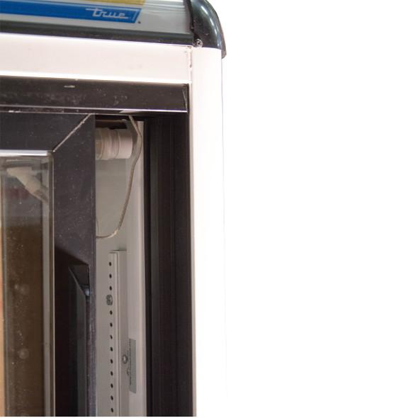 SCRATCH AND DENT - POOR | True GDM-9-PT Pass Thru Countertop Merchandiser 4992410