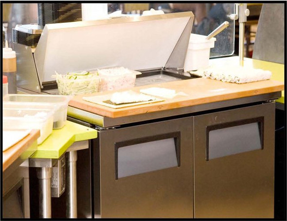 True refrigerated prep table in kitchen
