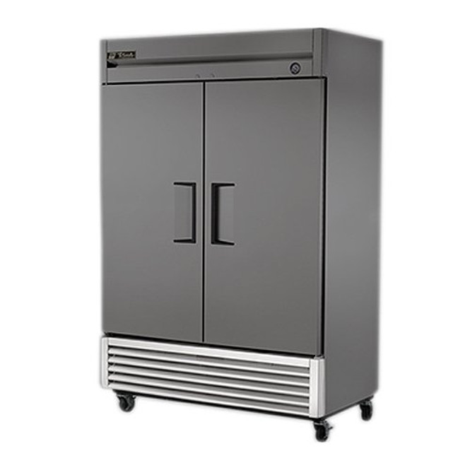 Image of the True 928695 grill kit installed on a True unit