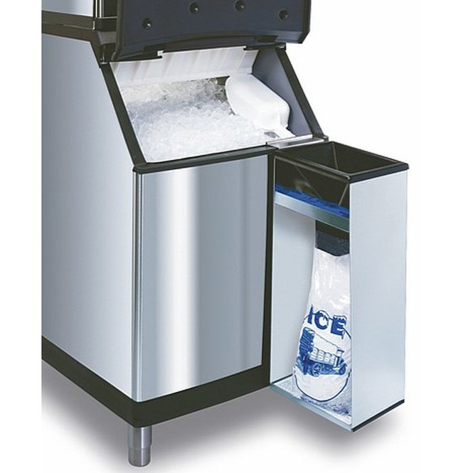 Manitowoc Convenient Ice Bagger