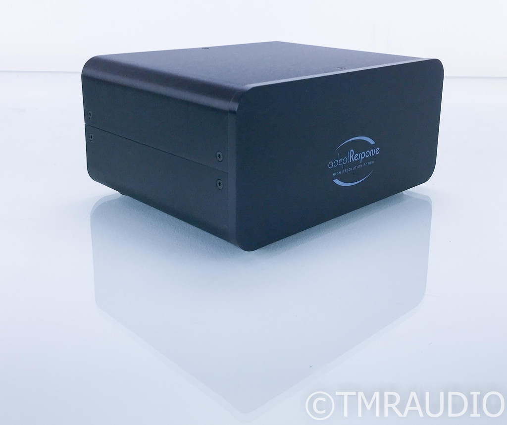 Audience Adept Response aR6T Power Conditioner; AR6-T; 15A w/ Au24 Power Chord