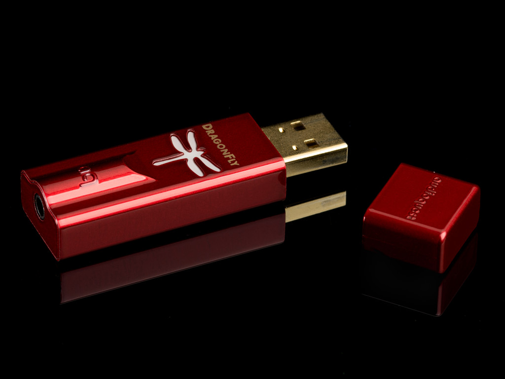 Audioquest DragonFly Red USB DAC / Preamp / Headphone Amplifier