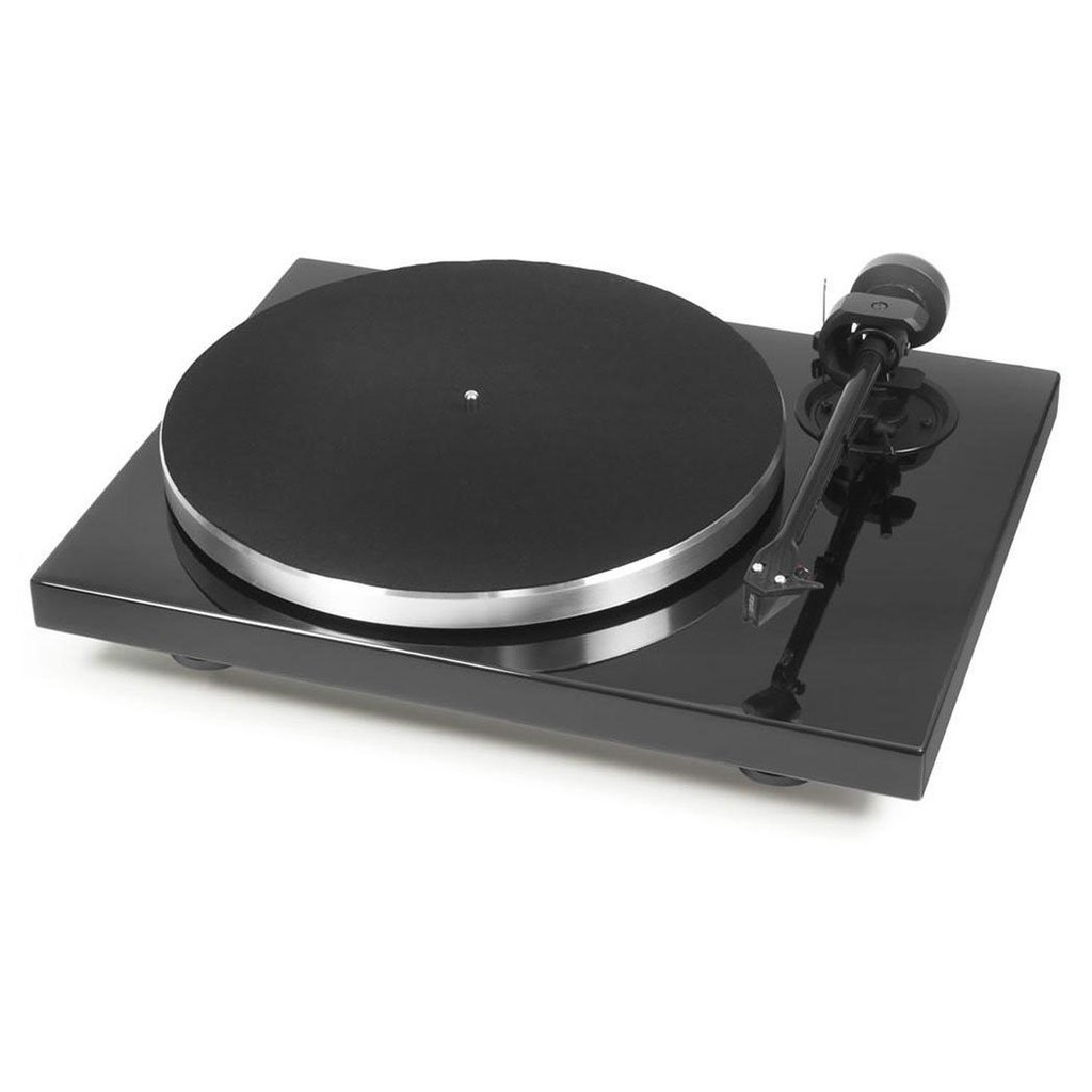 Pro-Ject 1Xpression Carbon Classic Turntable; Black; Ortofon 2M Silver (New)