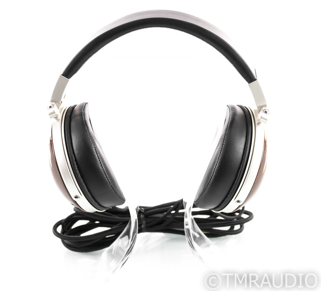 Denon AH-D7000 Closed Back Headphones; AHD7000
