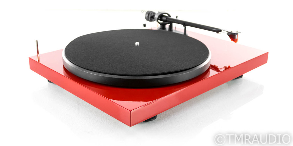 Pro-Ject Debut Carbon Belt Drive Turntable; Ortofon 2M Red Cartridge