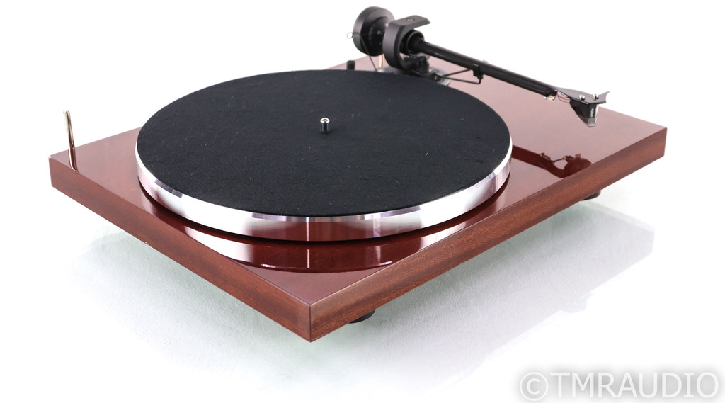 Pro-Ject 1Xpression Carbon Classic Turntable; Mahogany; 2M Silver Cartridge