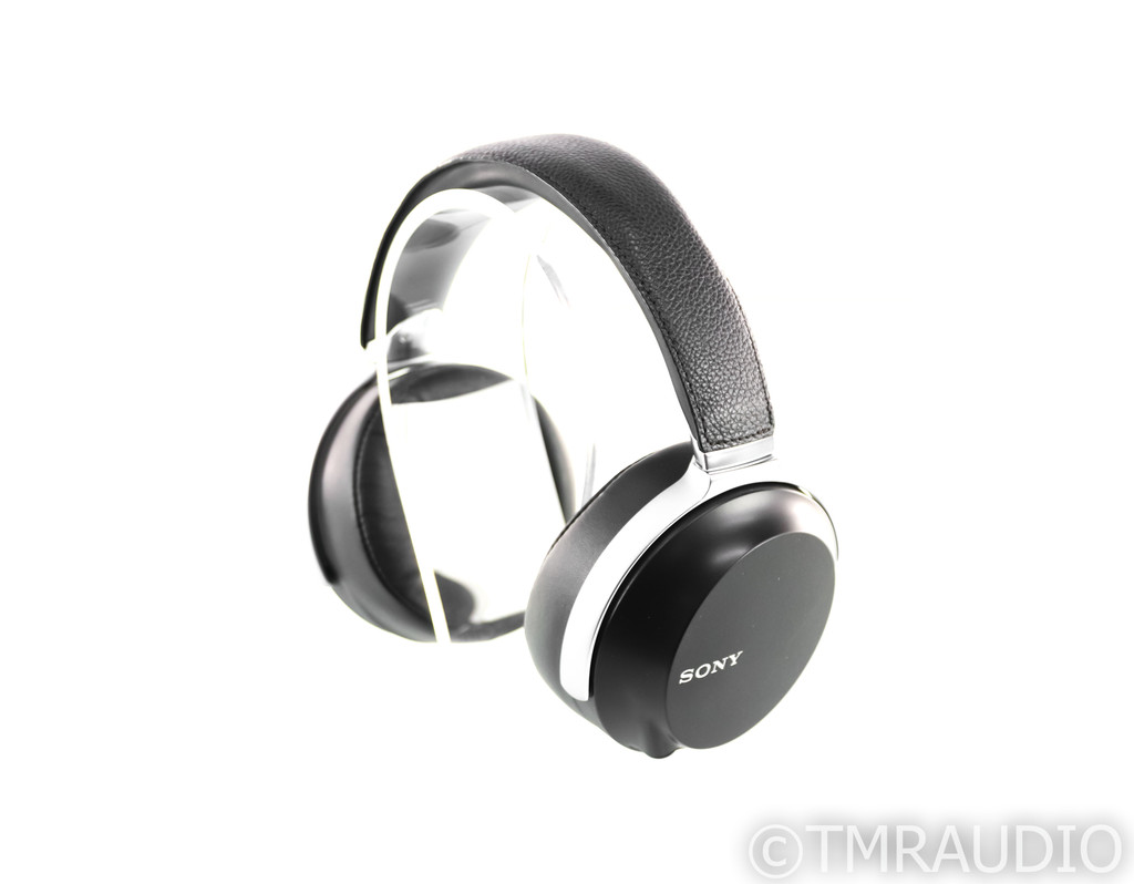 Sony MDR-Z7 Closed Back Headphones; MDRZ7