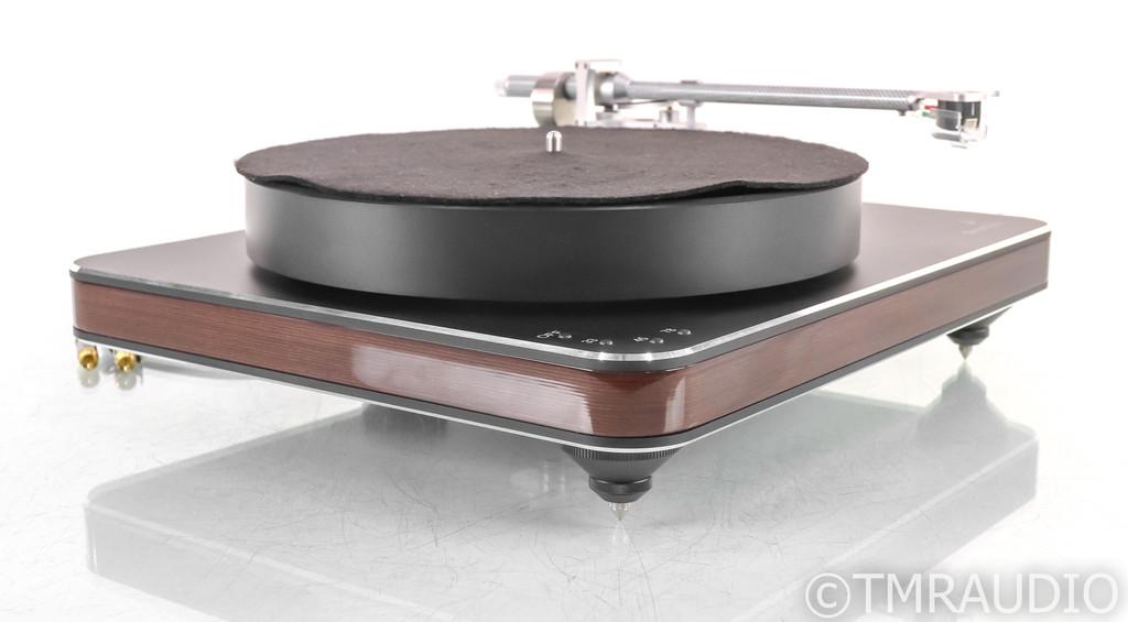 Clearaudio Ovation Turntable; Clarify Tonearm; Maestro V2 Ebony Cartridge