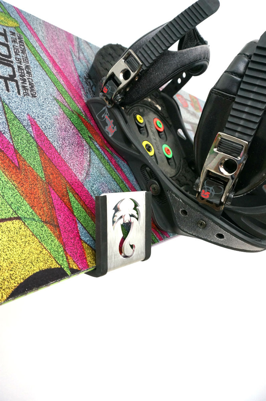 how to store your snowboard in the offseason