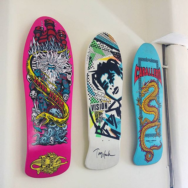 horizontal vertical graphics skateboard deck hanger made of steel two sizes