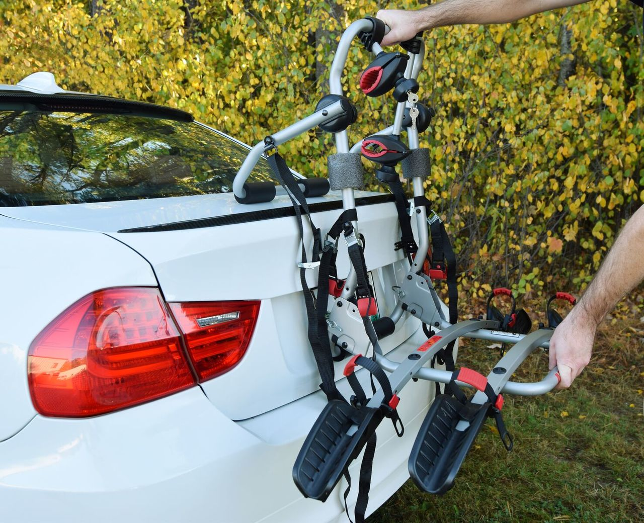 Trunk Mount Bike Rack >> 2 Bike Tray Style Carrier Trunk Mounted From Malone