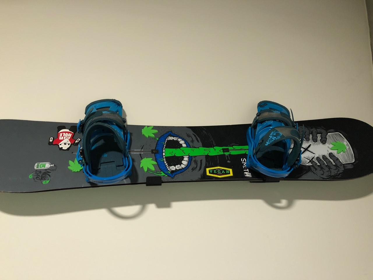 Naked Snow  Minimalist Snowboard Rack - Storeyourboardcom-2762