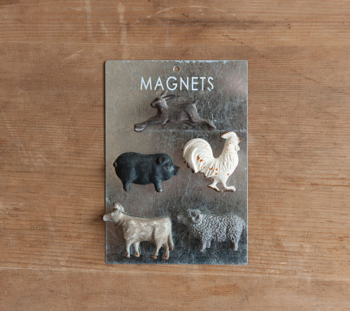 Farm Animal Magnet Set on their card.