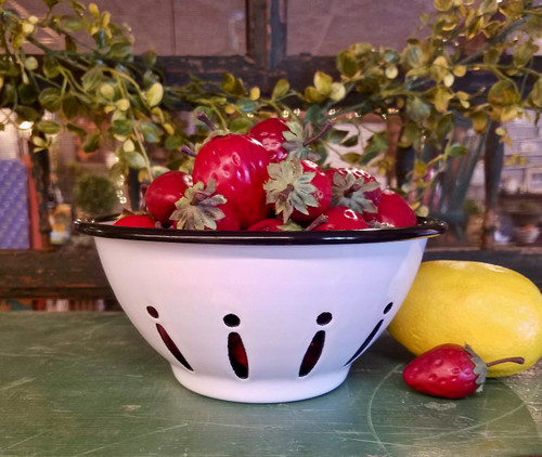 Black & White Farmhouse Enamelware Berry Bowl