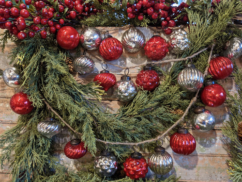 Embossed Mercury Glass Christmas Ornament Garland in Crimson and Silver - B