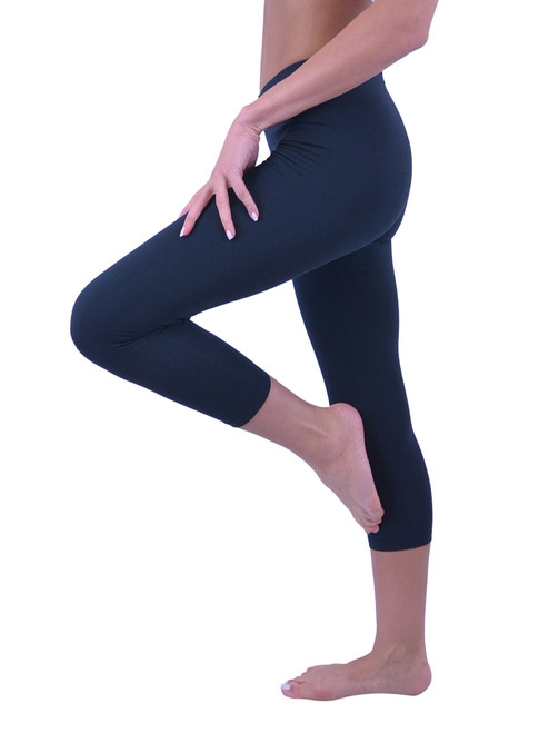 4e27bb4456 ... Vivian s Fashions Capri Leggings - Cotton (Junior and Junior Plus  Sizes) ...