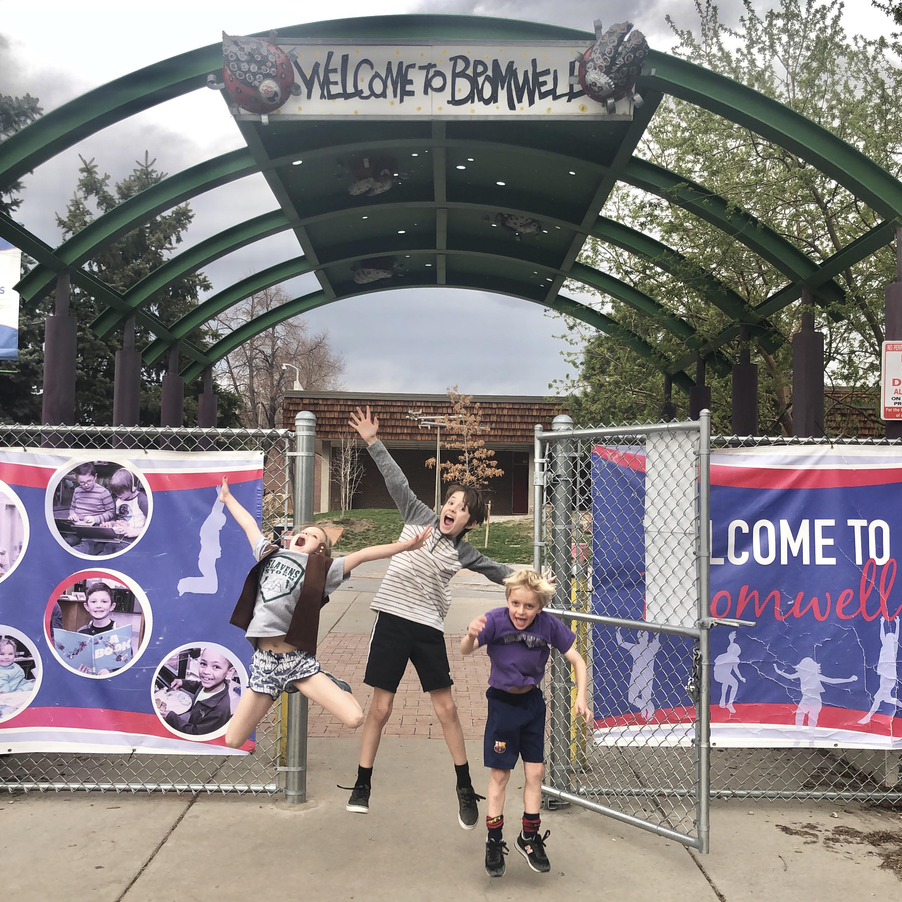 bromwell-elementary-denver-tour-club-kids-camp-entrance.jpg