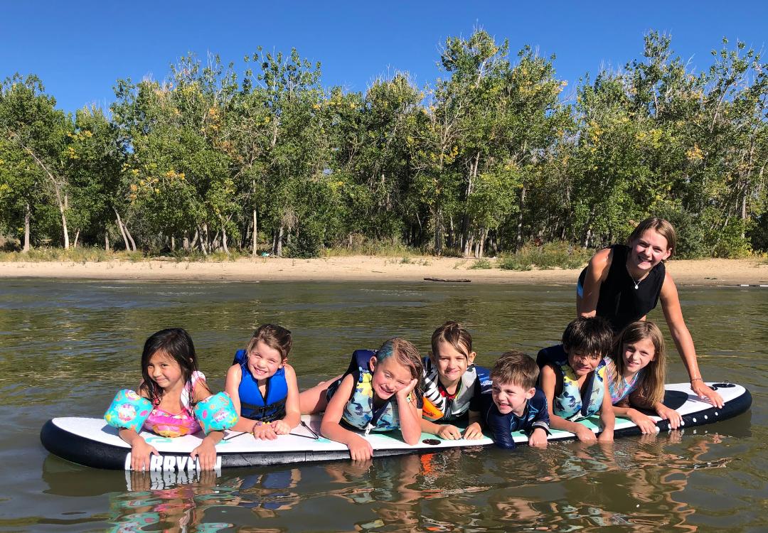 denver-tour-club-kids-parties-private-adventure-paddle-board-cherry-creek-reservoir-1-.png