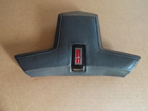 1986-1987-1988 Oldsmobile Cutlass Steering Wheel Horn Pad-Grey