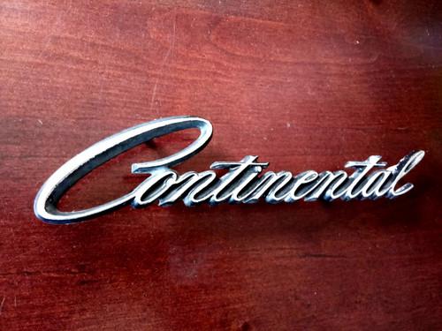 Original 1970-1971-1972-1973 Lincoln Continental Quarter Panel Emblem-Badge-Nameplate