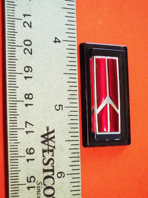 Original 1986-1987-1988-1989-1990-1991 Oldsmobile Delta 88 Horn Pad Emblem-Badge