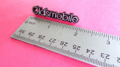 Original 1978-1979-1980-1981-1982-1983-1984-1985-1986-1987-1988 Oldsmobile Cutlass Dash Emblem-Badge