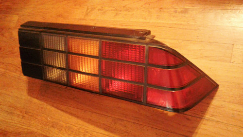 Original GM 1985-1986-1987-1988-1989-1990-1991-1992 Chevrolet Camaro Z28-IROC Passenger Side Tail Light-RH.