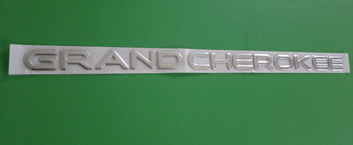 New 1999-2000-2001-2002-2003-2004-2005 Jeep Grand Cherokee Door Emblem-Badge