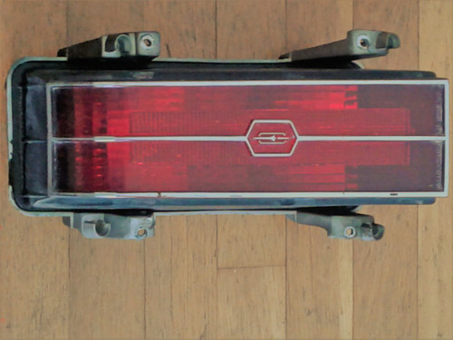 1976 Oldsmobile Cutlass Supreme  Driver Side Tail Light-LH