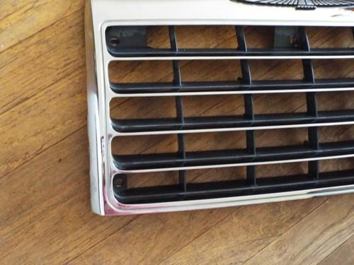 Original 1985-1986 Ford Thunderbird Radiator Grille
