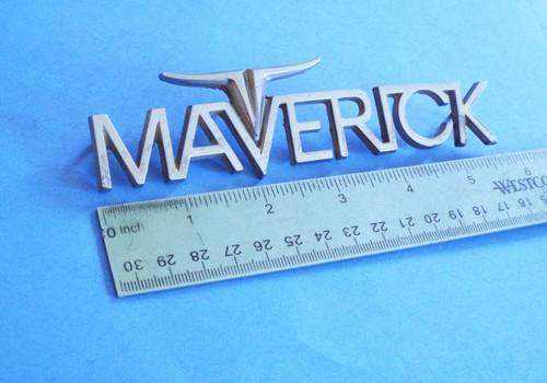 1970-1971-1972-1973 Ford Maverick-Fender Emblem-Badge
