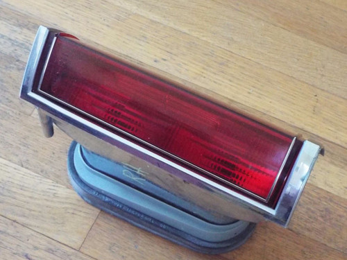 Original 1980-1981-1982-1983-1984 Lincoln Town Car Tail Light-RH