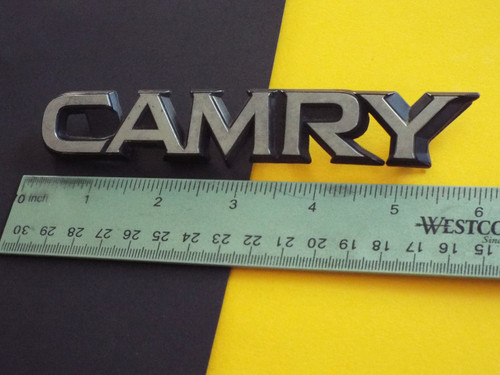 1983-1984-1985-1986 Toyota Camry Emblem-Badge