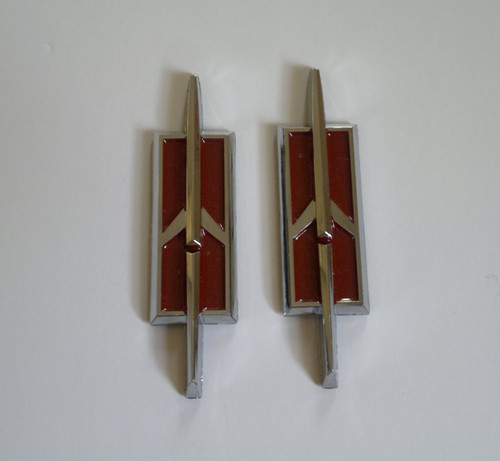 1978-1979-1980-1981-1982-1983-1984-1985-1986-1987-1988 Oldsmobile Cutlass Supreme Rocket Emblem-Badge