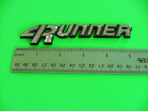 1990-1991-1992-1993-1994-1995 Toyota 4Runner-4 Runner Emblem-Badge