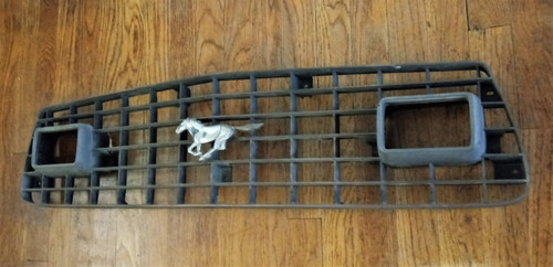 1975-1976-1977-1978 Ford Mustang Radiator Grille