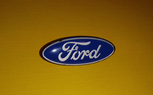 1987-1988-1989-1990-1991-1992-1993 Ford F150-F250-F350 Horn Pad Emblem-Badge