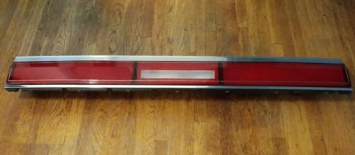 Original 1985-1986-1987 Lincoln Town Car Rear Reflector-Reverse Light Panel