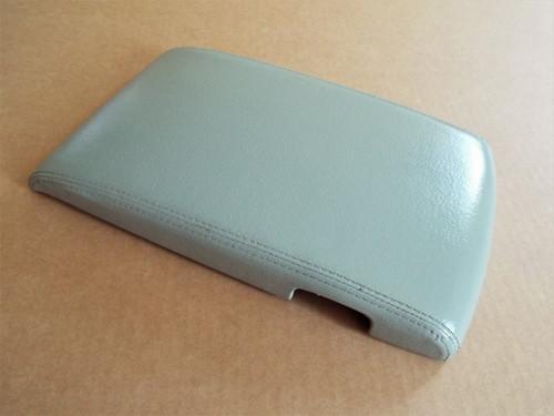 1997-1998-1999-2000-2001 Infiniti Q45 Console Storage Box Lid-Grey