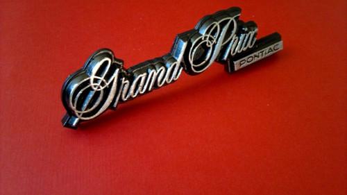 1981-1982-1983-1984-1985-1986-1987 Pontiac Grand Prix Grille Emblem-Badge
