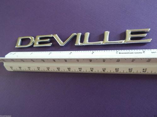 Original GM 2000-2001-2002-2003-2004-2005 Cadillac Deville Trunk Lid Emblem-Badge