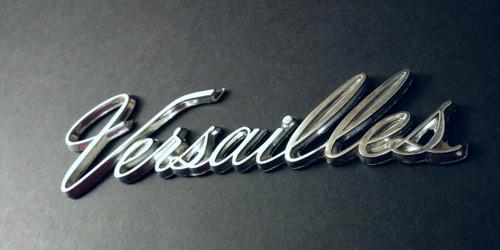 1977-1978-1979-1980 Lincoln Versailles Trunk Lid Emblem-Badge