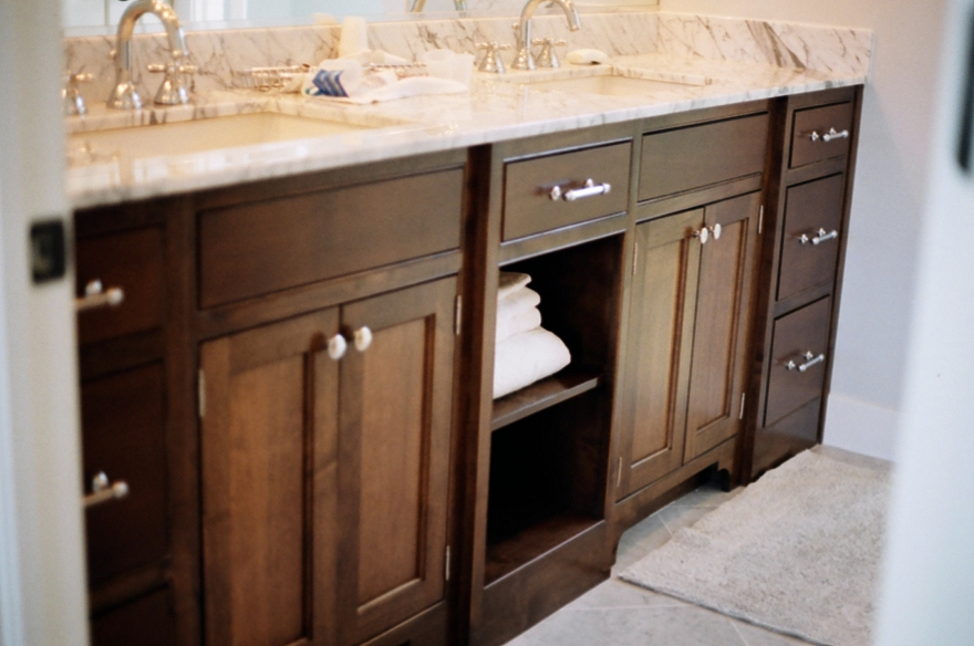 What Height Should Your Bathroom Sink Be?