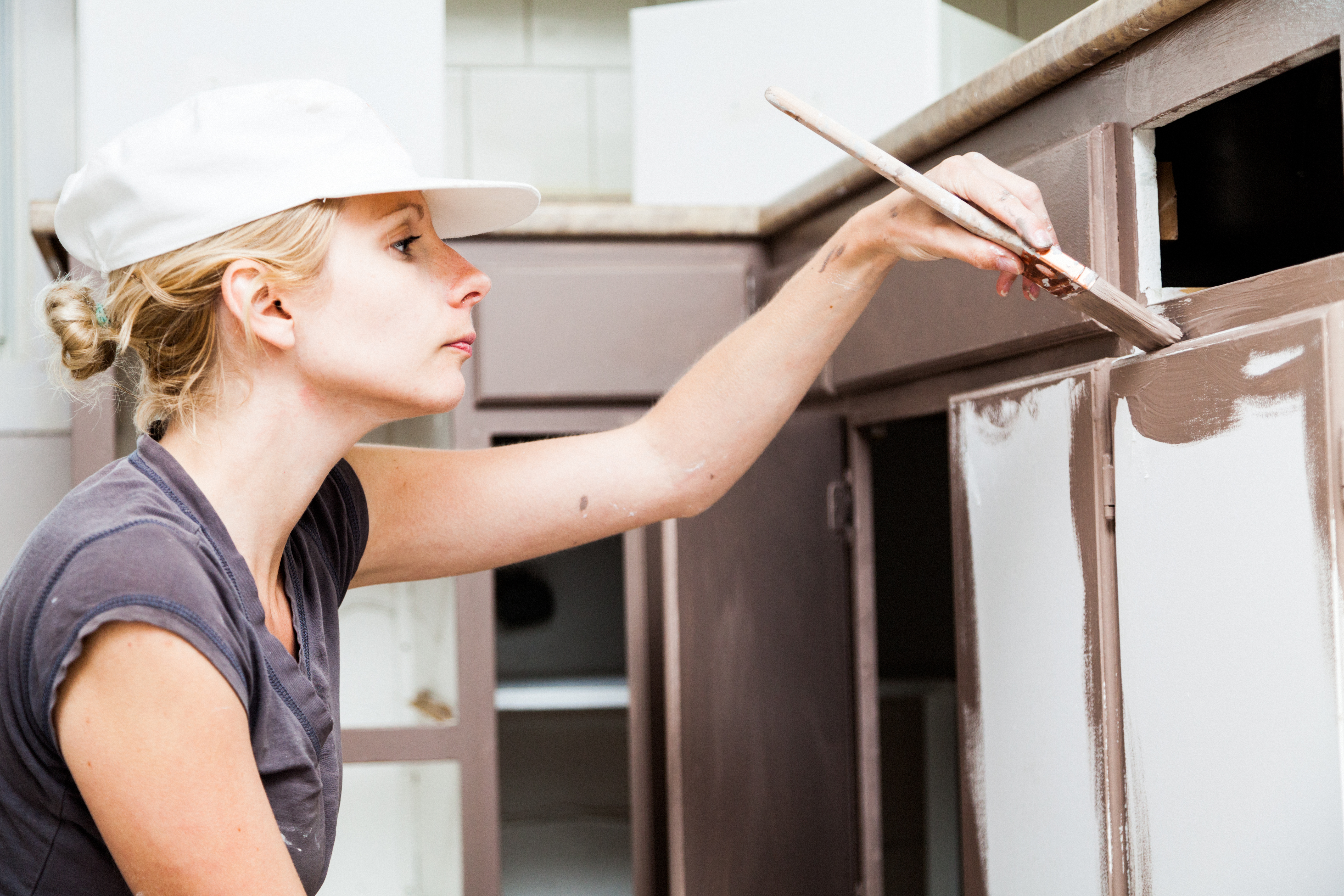 Painting Kitchen Cabinets: Latex vs Oil Paint