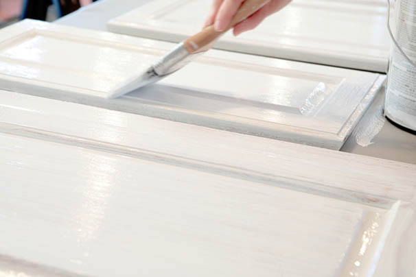 Painting Kitchen Cabinets: A Guide