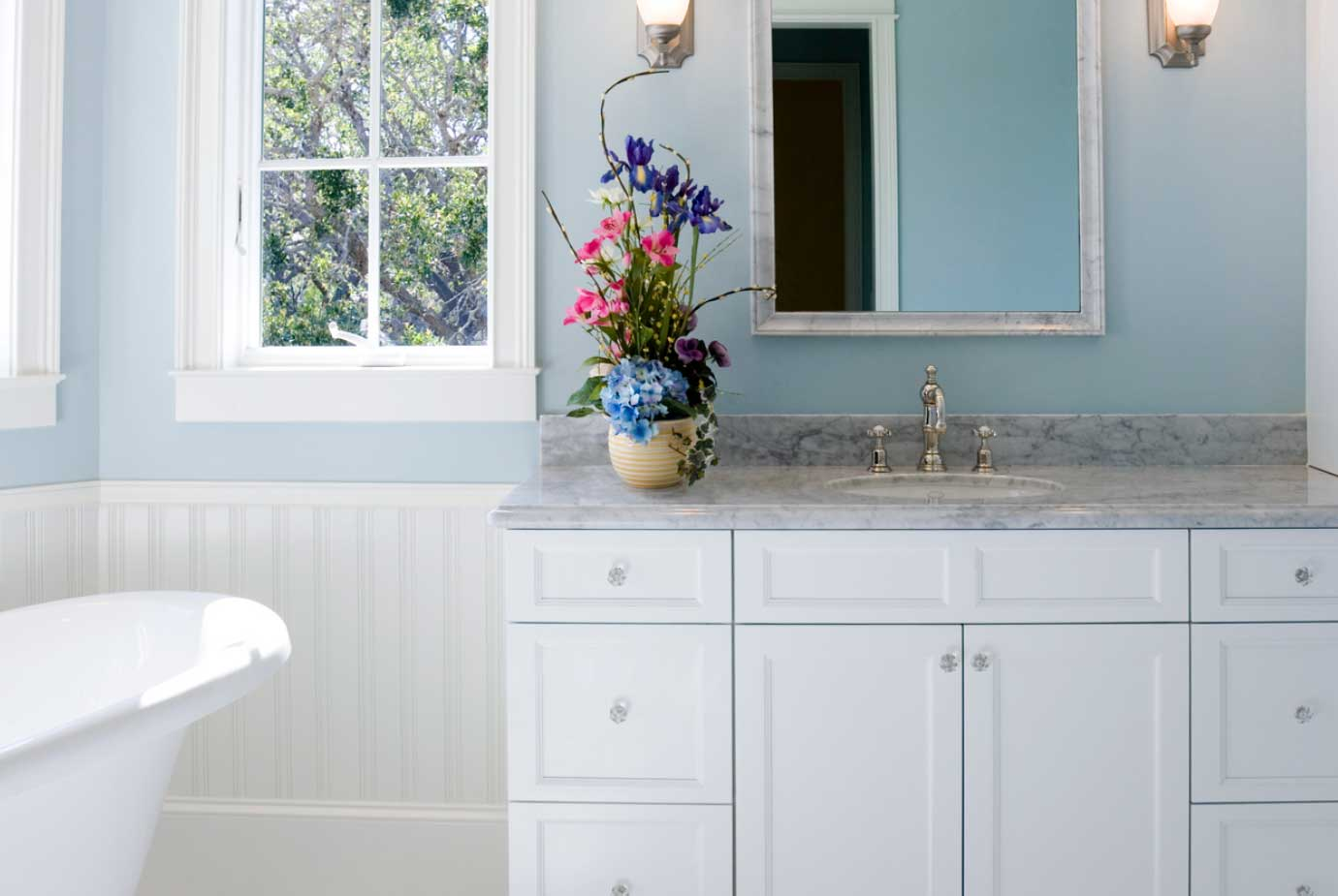 How to Make a Fabulous Frame for your Bathroom Mirror