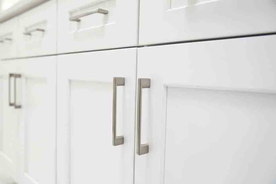 Can I Reface My Kitchen Cabinets Myself?