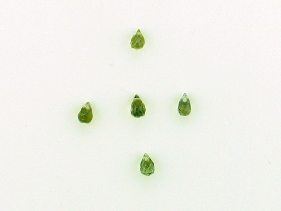 5 Count Apx 3x2mm Green Sapphire Faceted Briolettes (Sale)