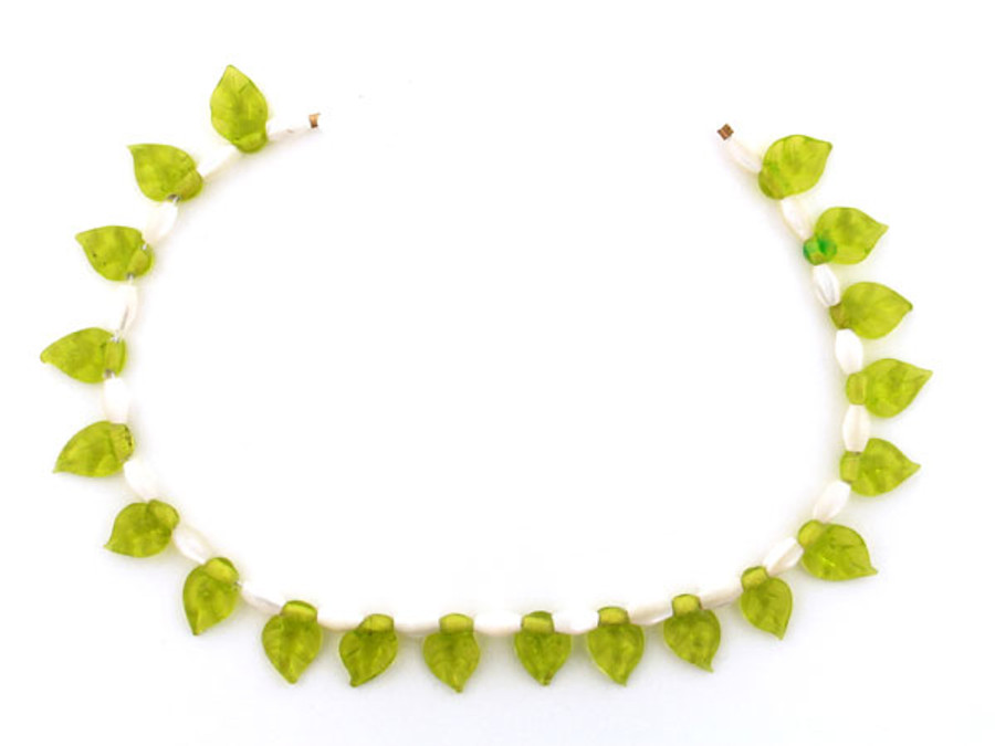 41 Count Two Size Mother Of Pearl Rice And Green Glass Leaves (Sale)